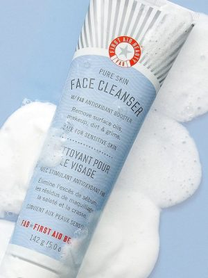 Sữa rữa mặt First Aid Beauty Pure Skin1